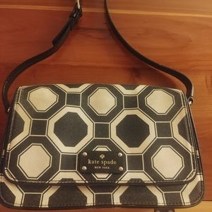 Kate Spade balck and white crossbody bag